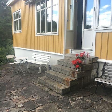 Stort lantligt hus nära sjö utanför Göteborg - Lerum N - Villa