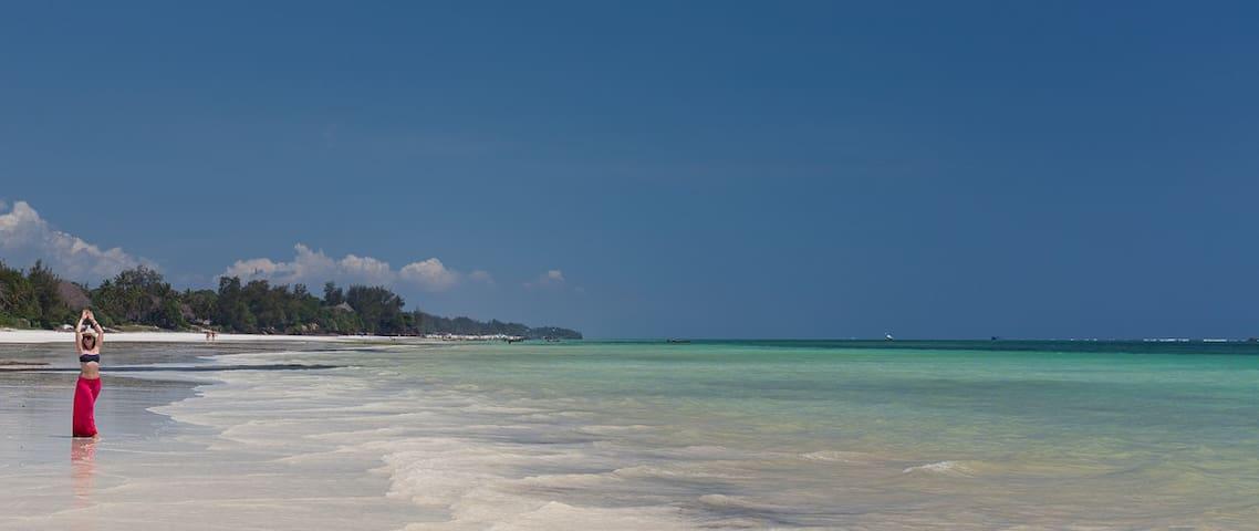 Ensuite room on beach property with pool - Diani Beach - Apartamento