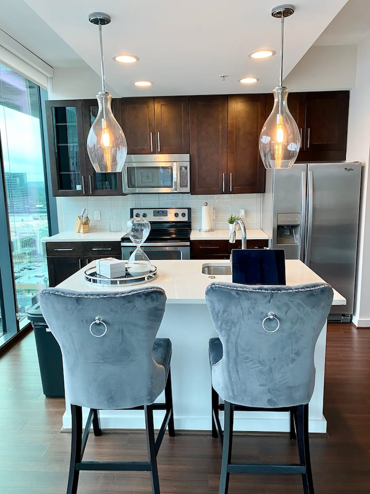 Stylish Luxury High-Rise in Buckhead