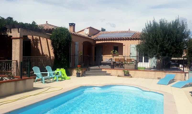 Belle villa méditerranéenne avec piscine, au calme - Corbère-les-Cabanes - Hus