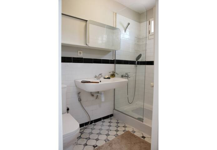 Second floor Bathroom, Room 4.