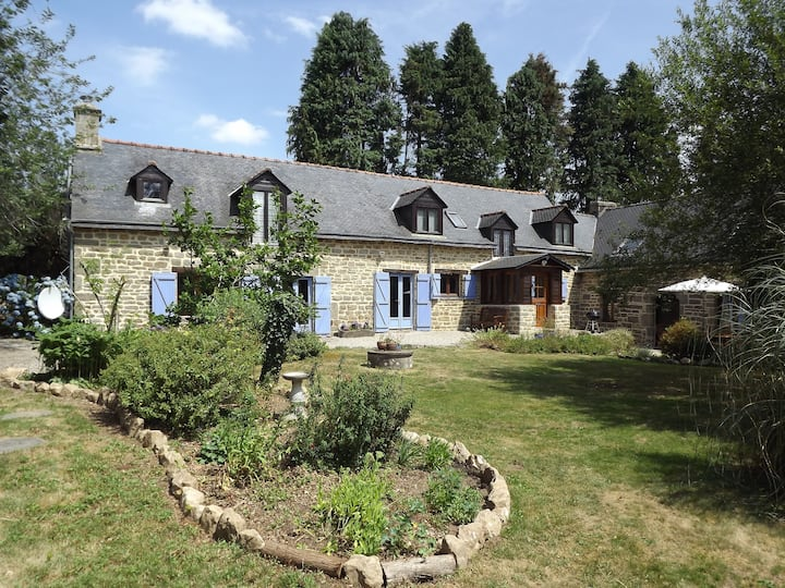 Tranquil Country Longere set in 3 Acres of Garden