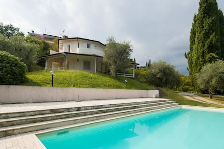 Comfortable villa with pool 10 pax, beautiful view - San felice del Benaco