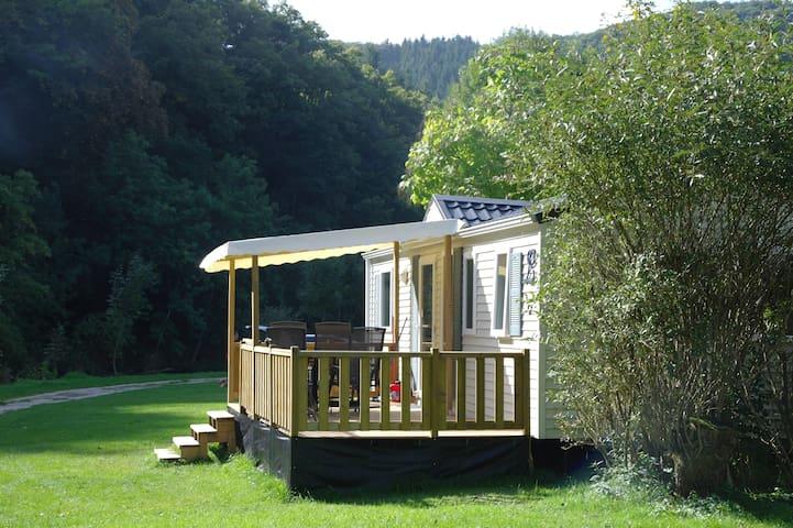 2/4 pers. Chalet op camping gelegen aan rivier Our - Eisenbach - Faház
