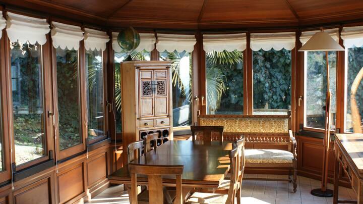 Camera privata in villa sulla collina