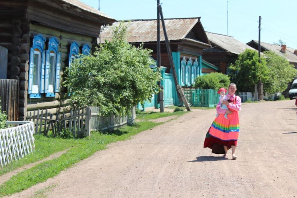 Вид на дом с улицы села