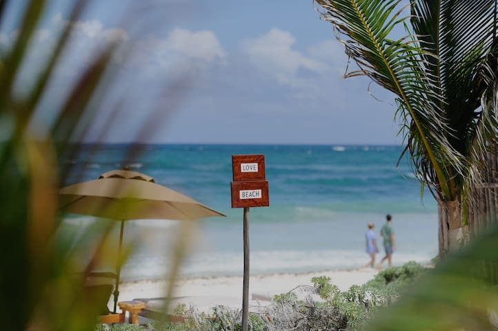 Room with beach access in the best spot of Tulum