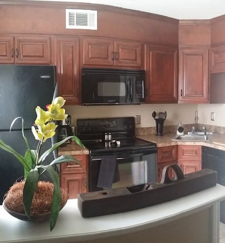 2 BR TOWN-HOME IN THE HEART OF AUGUSTA, GA