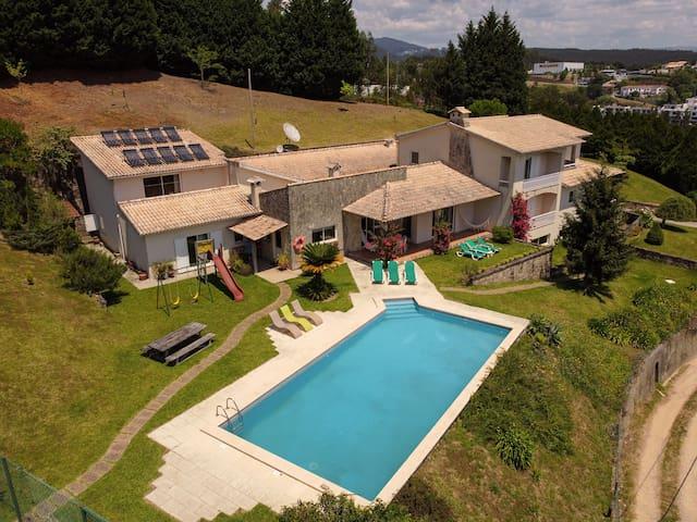 Quinta do Souto - Poolhouse with tennis court