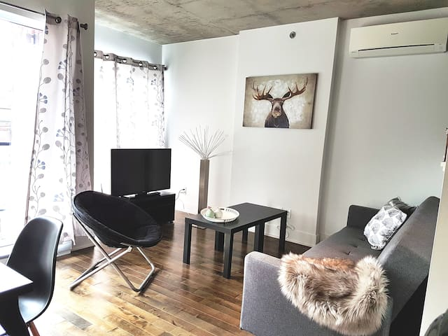 Modern Cozy Condo Near Old-Port and Downtown - Montréal - Wohnung