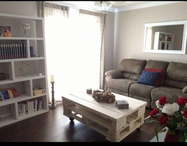 Bel appartement ensoleillé - Montréal - Wohnung