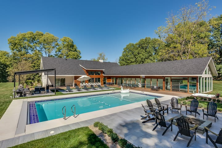 Luxury Estate w/ 3 Homes, Pool, Hot Tubs, Fire Pit
