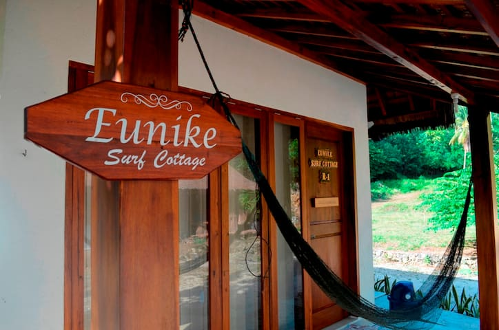 wave room @eunikesurfcottage