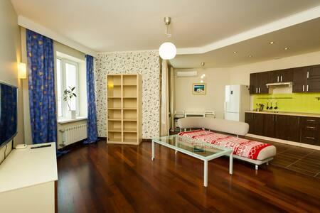 Роскошная студия люкс - 新西伯利亚 - 公寓