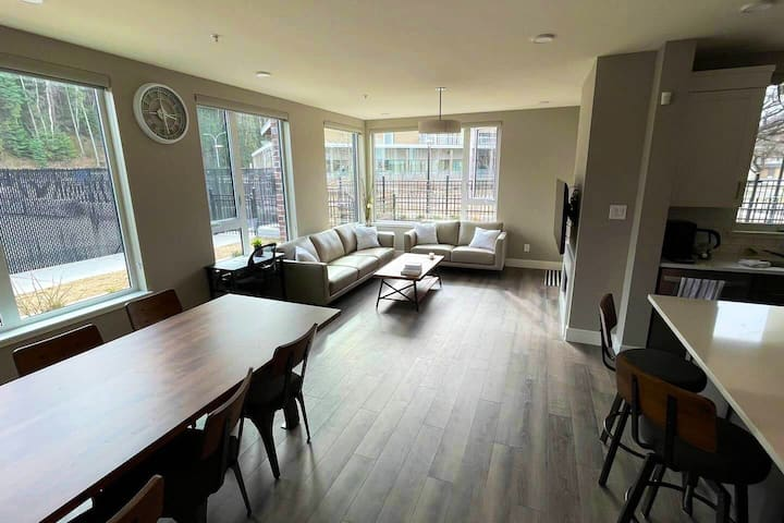 Luxury City Centre 2 Bedroom Apartment with Gym