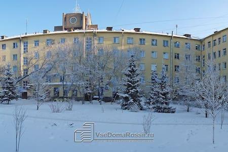 N1 по отзывам Новосибирск пл.Ленина - Novosibirsk - Apartment