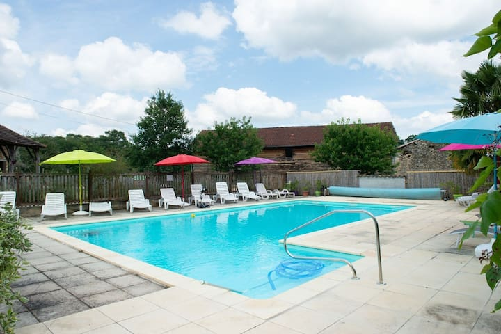 Plush Holiday Home in Lacapelle-Biron with Garden