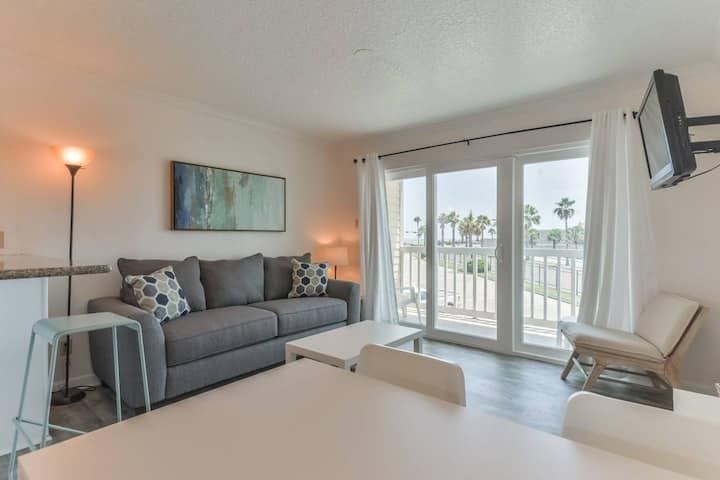 SEAWALL BLVD | BEACHFRONT CONDO | VAST OCEAN VIEWS