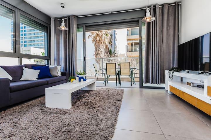3 bedrooms Aparts in the heart of Tel- Aviv