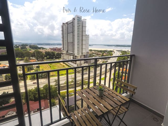 Iris & Rose Cosy Home - Seaview - 2BR - JB City