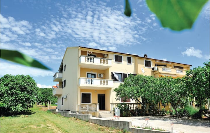 Stunning home in Posedarje with WiFi and 3 Bedrooms