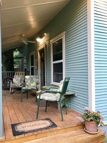 Come on in! Sit on the porch and enJoy the garden view
