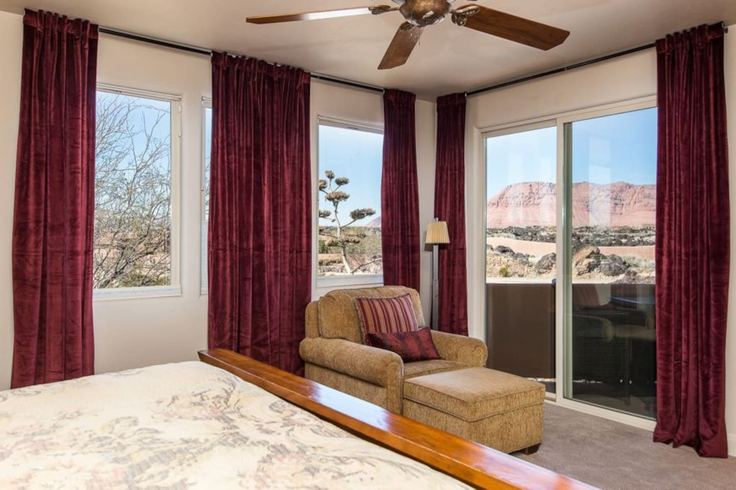 Master bedroom with Amazing Red Mountain/Snow Canyon views!