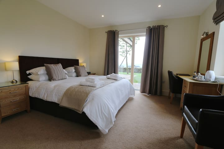 Accessible Superior Double or Twin En-suite Room