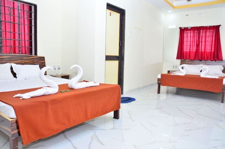 Budget Family room in Panchgani