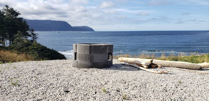 The Gudrid Guesthous-Oceanfront in Gros Morne park