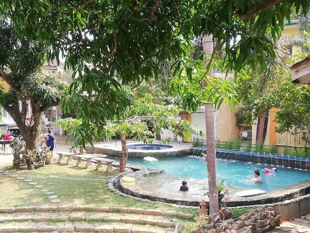 PRIVATE POOL/HOT JACUZZI 24/7 SILANG CAVITE