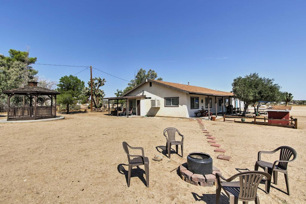 Escape to Yucca Valley at this serene 2-bedroom, 2-bath vacation rental home!