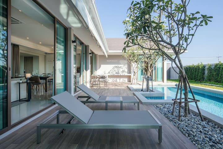 SHAAN - Luxury 3 bedroom Pool Villa in Hua Hin