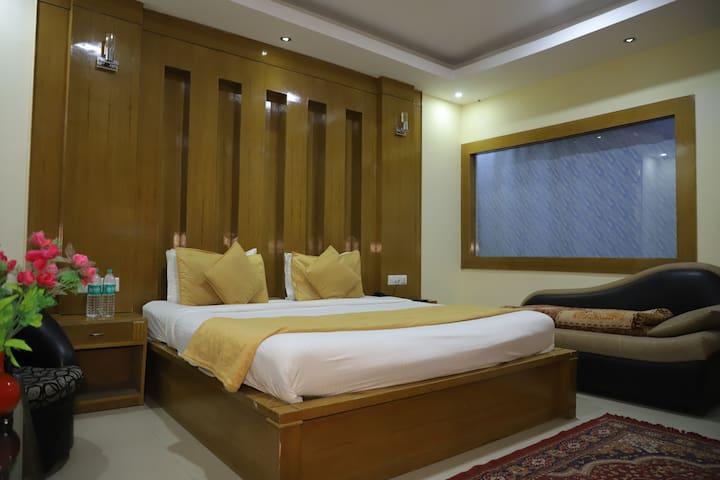 Platinum 3 bed room ( 1 double bed, 1 sofa bed, 1 floor matress)
