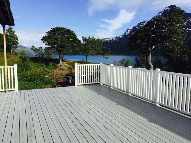 Cottage by the sea (Narvik) - Narvik - Blockhütte