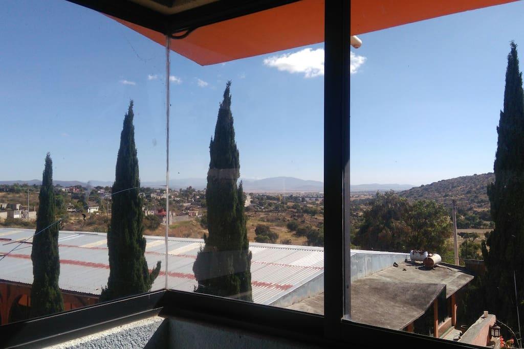 Vista panorámica desde una habitación. ideal para extranjeros que disfruten del buen clima y comida de Hidalgo