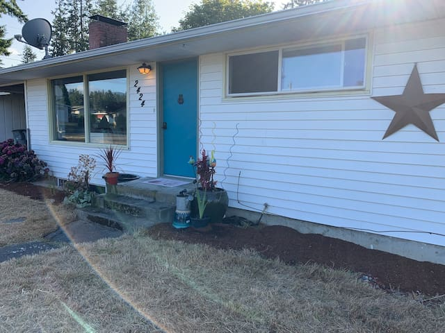 3BR Close to Olympic NP, Victoria Ferry & Shopping