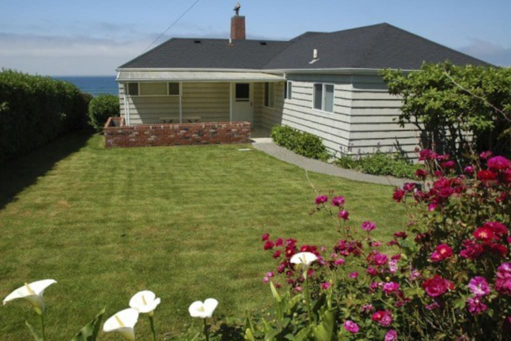 Schilling beach house houses for rent in cannon beach for Beach house rentals cannon beach