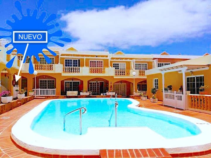 Apartamento Luxury Caleta, Pool, Terrace, Wifi