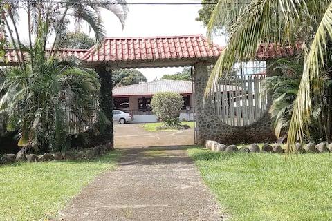 Casa Campanario Esparza
