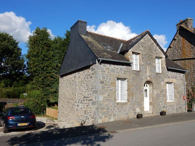 Maison Sans Soucis - Plélauff - Hus