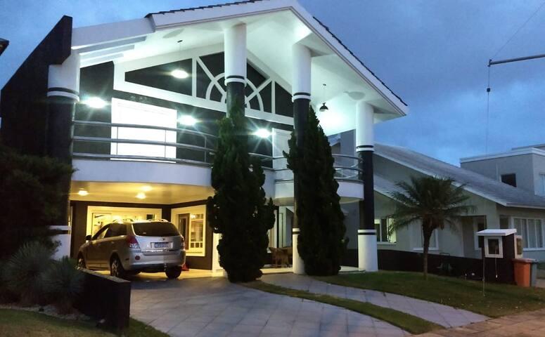 Casa 4 suites, Condado de Capao