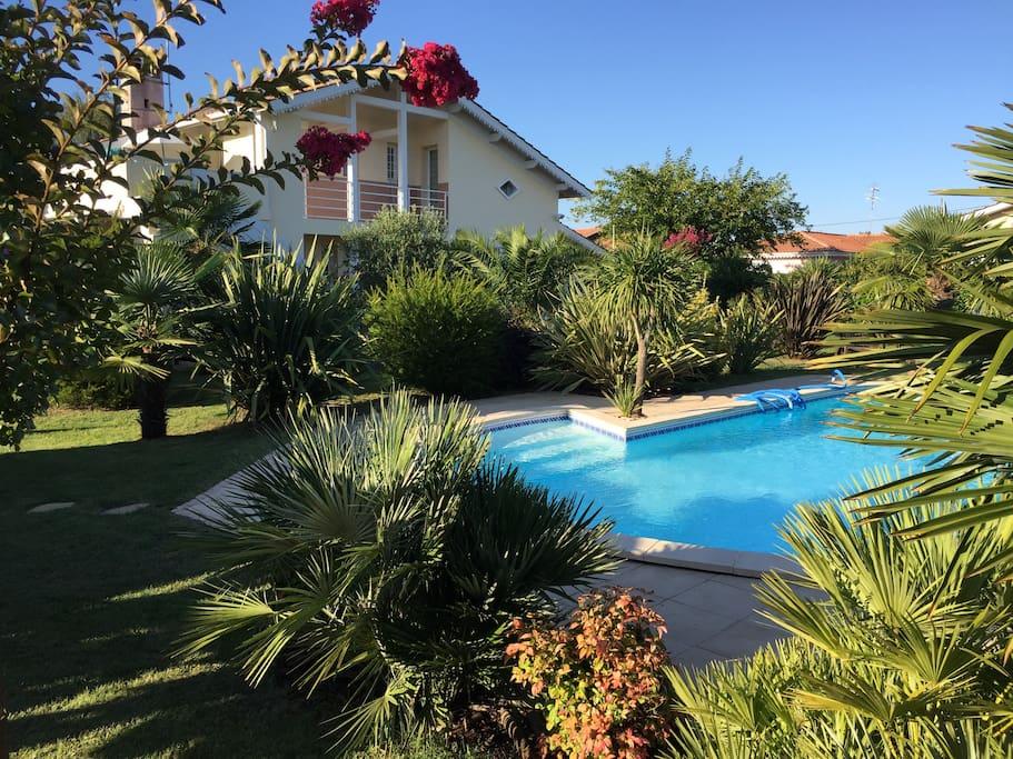 T2 dans villa terrasse piscine bassin d 39 arcachon for Piscine la teste