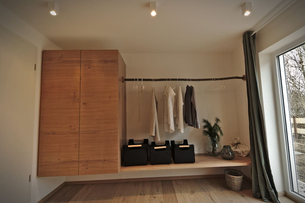 Aufbewahrung Schlafzimmer 1 EG