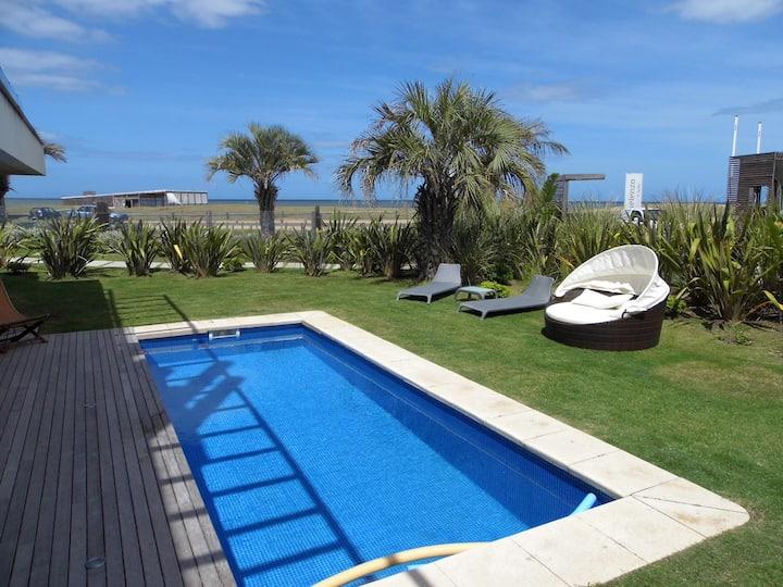 SELENZA - Planta Baja- frente al mar