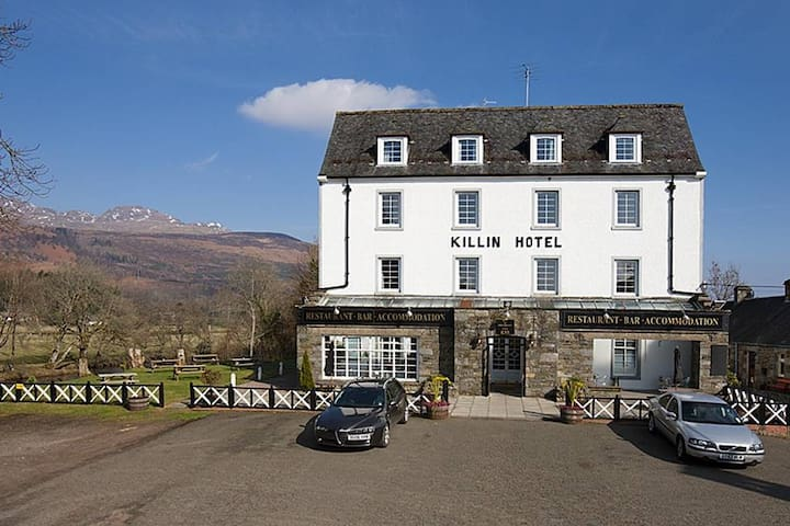 Killin Hotel Twin en-suite Room