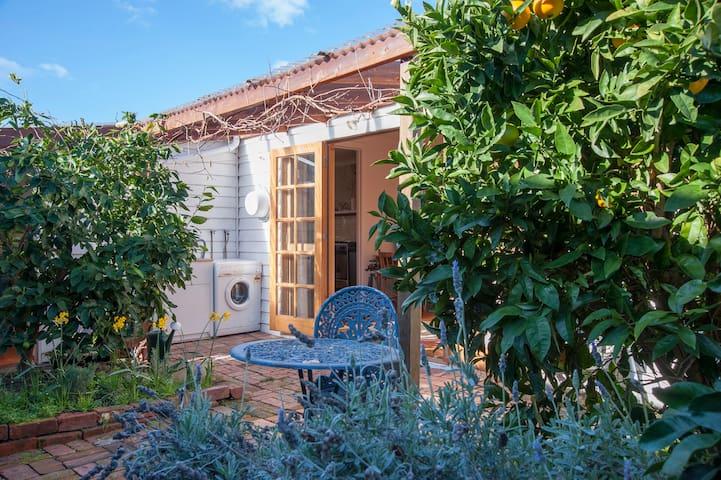 Sunny Garden Hideaway | Sandy Bay
