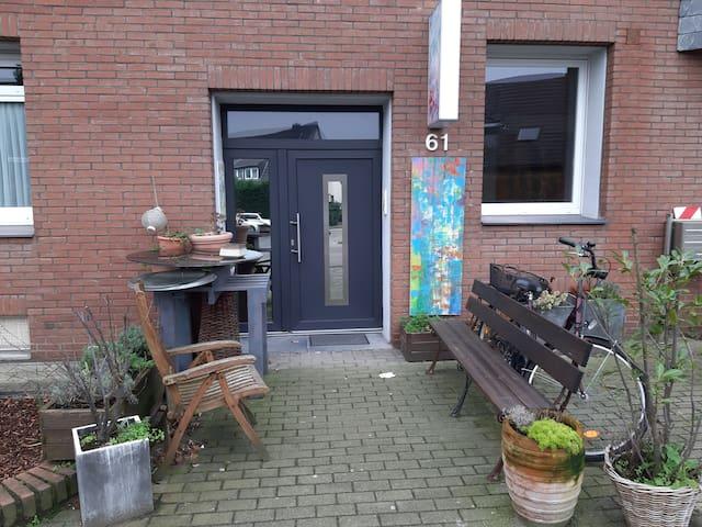 Wohnen mit Kunst und französischem Flair in Hüls
