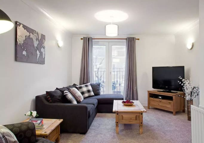 Anchor House ☆Entire 4 Bedroom House ☆ City Centre