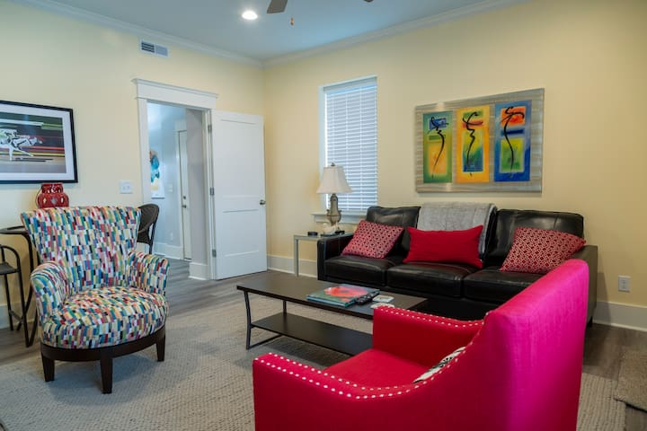 Remodeled Riverfront Unit - Porch with River View